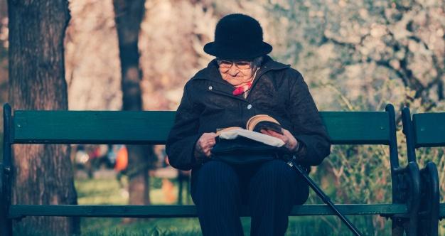 vrouw buiten leven lang leren